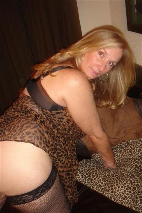 Mature Dee Porn Pic From Busty Mature Amateur Dee Sex Image Gallery