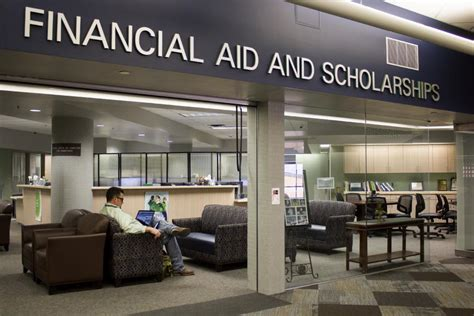 students express problems with financial aid office