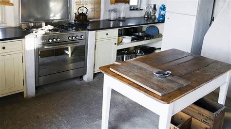 cuisine professionnelle pas cher créer une cuisine rustique industrielle cuisine déco