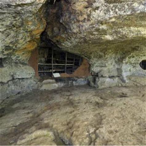 bureau vallee roques the cave dwelling of lascaux dordogne lascaux dordogne