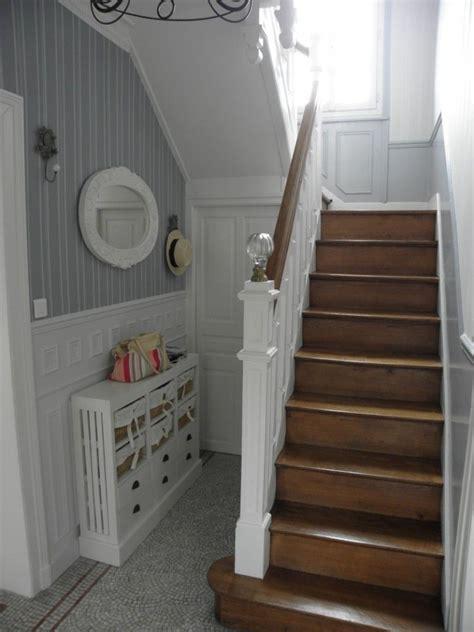belle deco entree avec escalier en  home sweet home