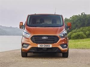 Nouveau Ford Custom : polyvalent restyl et plus conome le nouveau ford transit custom facilite la vie des ~ Medecine-chirurgie-esthetiques.com Avis de Voitures