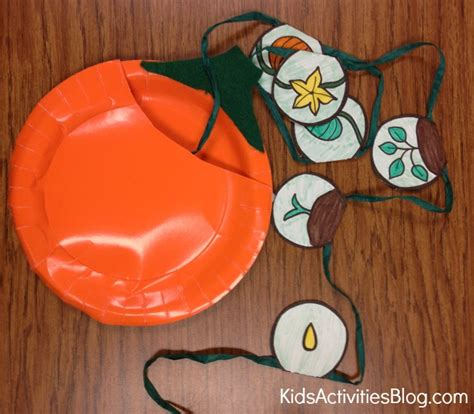 big pumpkin storytelling paper plate craft and free 524 | pumpkin craft for preschoolers