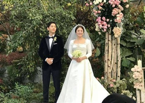 song  song couple  tie knot  tightly guarded