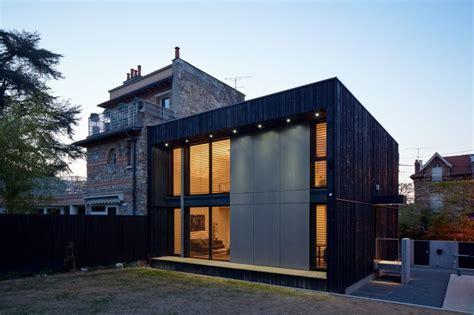 facade bois cuisine so 39 bois cube 45 maison contemporaine bois
