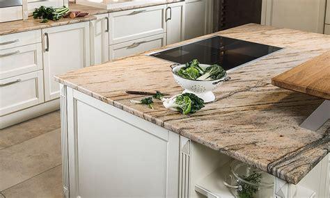 küchenunterschrank mit arbeitsplatte landhausk 252 che mit naturstein arbeitsplatte quot praha gold quot