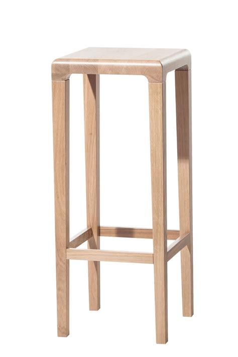 sgabello legno rioja sgabello ton in legno di rovere seduta a 64 o 80