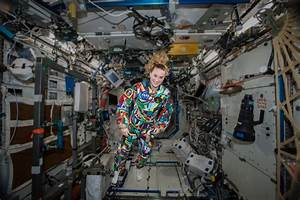 NASA Astronaut Kate Rubins Wears Space Suit Hand-Painted ...