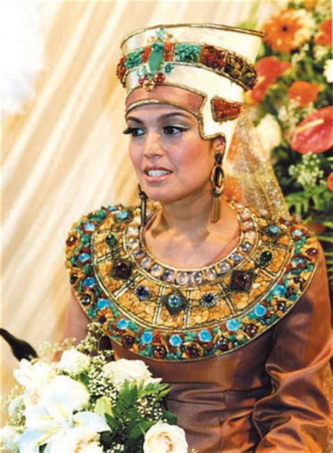mind blowing traditional wedding dresses   world