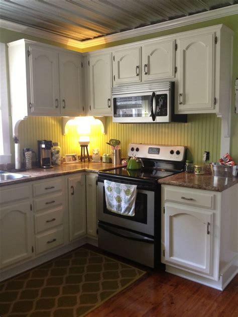 beadboard kitchen backsplash beadboard for backsplash but not green love this decor pinterest