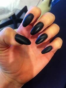 Stiletto nails Matte black | Nails!!! | Pinterest | Almond ...