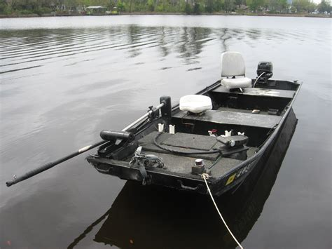 14 Ft Jon Boat by 14ft Jon Boat With 9 9 Mercury Pensacola Fishing Forum