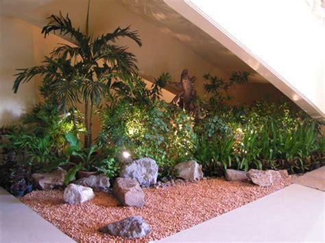 ide taman minimalis rumah bernuansa tropis