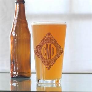 custom wedding guest favors beer glasses onewedcom With beer glass wedding favors