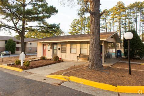 pine tree village apartments rentals huntsville al