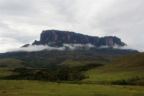 How to Hike Mount Roraima on a Budget, Venezuela.