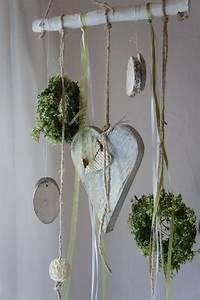 Fensterdeko Aus Holz : die 25 besten ideen zu fensterdeko auf pinterest fensterdekorationen fr hlingserwachen und ~ Markanthonyermac.com Haus und Dekorationen