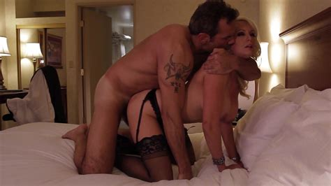 Blonde Cougar Stormy Daniels Has Insane Craving For Sex