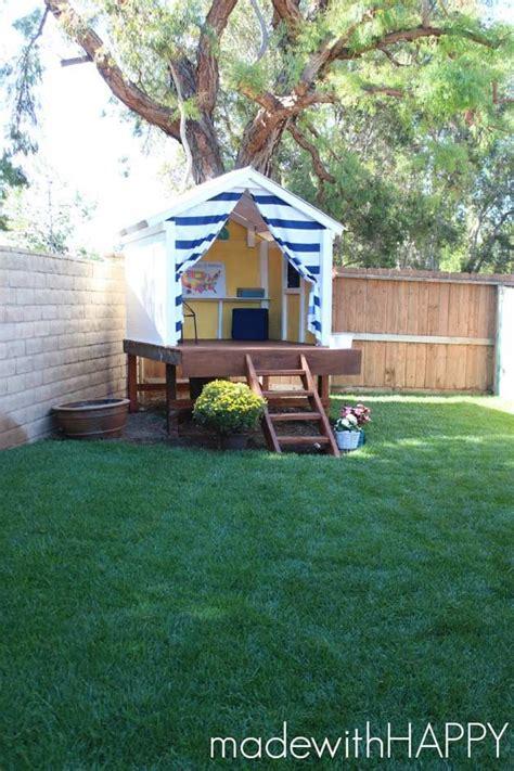 Backyard Clubhouses by Best 25 Backyard Playhouse Ideas On