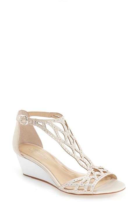 pin  mellony kailey  wedding hairstyles wedge