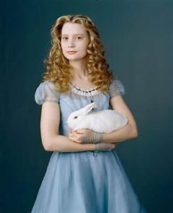 Alice in Wonderland - Alice in Wonderland (2010) Photo ...