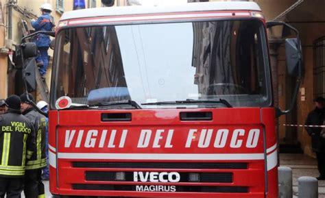 ufficio postale roma san silvestro scoppio e fumo paura a piazza san silvestro cortocircuito