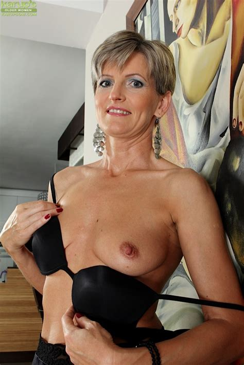 Skinny Shaved Mature Milf Melanie With Tight Ass Tgp
