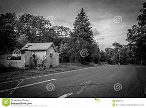 Gardine New York : country road bw editorial image image of rural fashioned 61028145 ~ Markanthonyermac.com Haus und Dekorationen