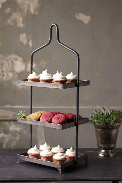square metal  tiered display