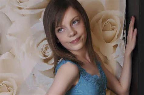 Model Way To Beat Bullies Beauty Shames School Beasts