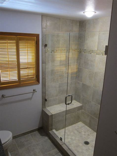Walk In Shower For Small Bathroom by Best 20 Small Bathroom Showers Ideas On Small