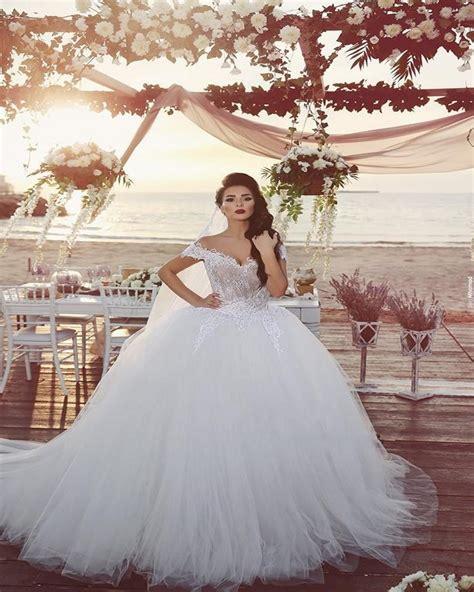 Arab Vintage Princess Wedding Dress Lace Tulle Ball Gown