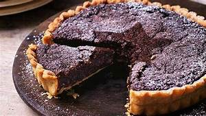 Recipe: Chocolate mince pie brownie tart | Sainsbury's