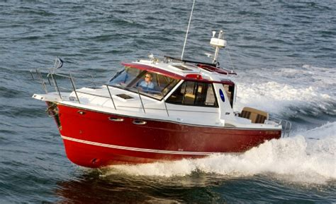 Cutwater Boats Performance by 187 Cutwater 28 Versatile And Fuel Efficient