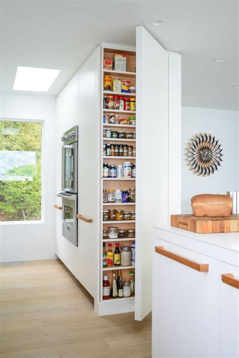 king kitchen cabinets best 20 scullery ideas ideas on pantries 2105