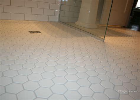 Hexagonal mosaic   Céramiques Hugo Sanchez Inc