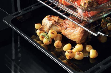 a quoi sert un blender en cuisine cuisson four à quoi sert une lèchefrite darty vous