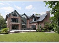 Phil Neville puts Cheshire mansion up for sale after