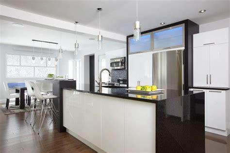 comptoir de cuisine blanc le lustre des portes d armoires en thermoplastique blanc