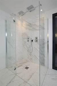 Marbre Salle De Bain : les 25 meilleures id es de la cat gorie douches en marbre ~ Dailycaller-alerts.com Idées de Décoration