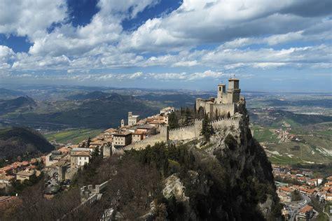 Ufficio Turismo San Marino by La Rocca Di San Marino Avrvm