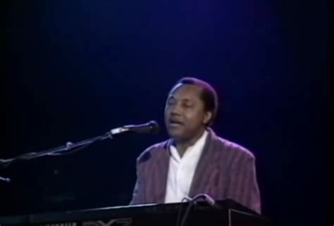 Millennium Stereo: Labi Siffre - Something Inside So Strong, Live - Millennium TV