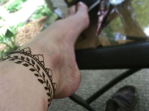 Henné Pied Simple 25 Best Ideas About Henna Ankle On Henna Foot Foot Tattoos And Photos