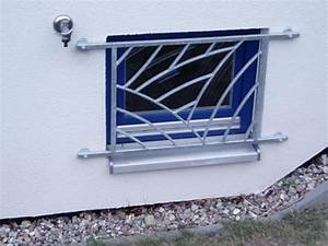 Kellerfenster Nach Maß : fenstergitter nach ma einbruchschutz vom schlosser mach 39 s sicher sicherheit und ~ Watch28wear.com Haus und Dekorationen