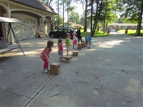 stack the box relay race teach preschool 157 | Boxes 187