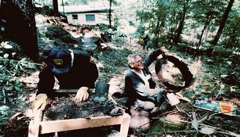 Feb 26, 2017 · see exclusive bob crane crime scene evidence. Jeffrey Dahmer crime scene photos [WARNING: Graphic ...