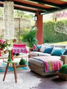 Decorating A Small Balcony by 20 Awesome Bohemian Porch D 233 Cor Ideas Digsdigs