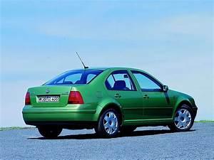 Volkswagen Bora Specs  U0026 Photos