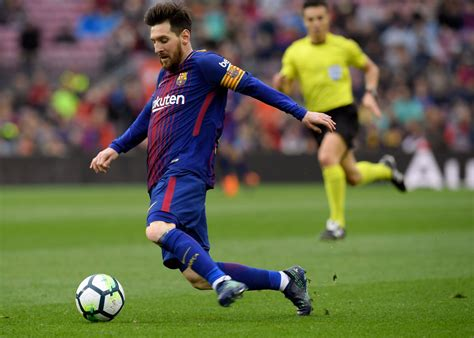 Mar 30, 2021 · lionel messi is a soccer player with fc barcelona and the argentina national team. Sport   Lionel Messi gagne 126 millions d'euros par an