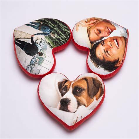 coussin en coeur personnalise coussin en forme de coeur coussin coeur personnalis 233 avec une photo
